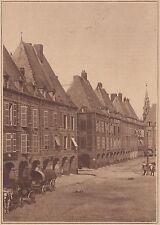 G1788 France - Charleville - Les pavillons de la place Ducale - 1933 old print