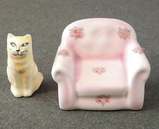 Vandor 1989 Easy Chair & Cat Salt & Pepper Shakers EUC