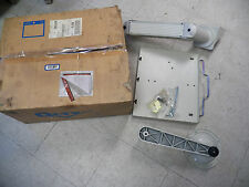 NEW QLTY MONITOR STAND BRACKET WALL MOUNT C6194W