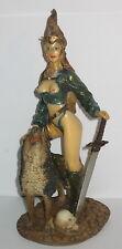 Kriegerin mit Wolfshund und großem Schwert, erotisch-sexy, 22x10x8cm