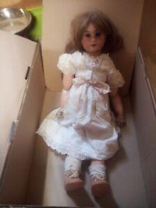 poupée porcelaine ancienne