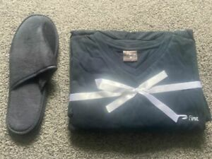 BRITISH AIRWAYS FIRST CLASS PYJAMAS WITH SLIPPERS AND WASH BAG / AMENITY KIT M