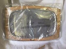 NIB METAL/WOOD STEAK PLATES SET OF 4  (01272)