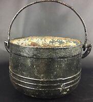 Ancien art populaire début XXE Petit chaudron de cheminée à suspendre en fonte