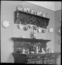 Commode bahut vaisselier vaisselle  -  Ancien négatif photo an. 1940