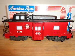 AMERICAN FLYER S GAUGE # 4-9404 NEW YORK CENTRAL BAY WINDOW CABOOSE - NEW