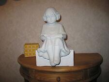 MARBELL STONE ART *NEW* Statue pierre blanche Fille avec livre HxL:36x19cm