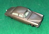 Matchbox Lesney 28 Jaguar MK10 Nice Vintage Car!