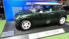 MINI COOPER Vert Right Hand Driven au 1/12 REVELL 08452 voiture miniature