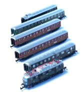 81434 Marklin Z-scale BR E 18 locomotive 5 pole, 5 express train passenger cars