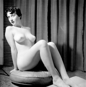 Vintage PINUP Negative 1950s SEXY BRUNETTE Studio Pose (Nudes)