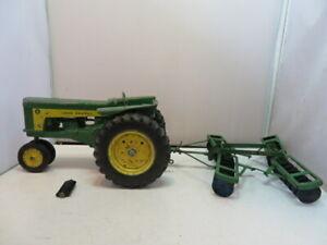 Vintage ERTL JOHN DEERE 620 Tractor Farm Toy with Original Disc attachment