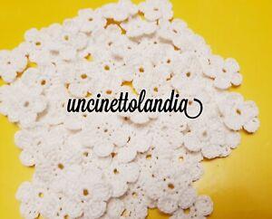 Lotto 30 fiori bianchi  uncinetto bomboniera,chiudipacco,decorazione