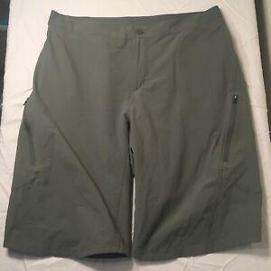 PATAGONIA MEN'S LANDFARER SHORT, Green, Men's 34, Used In Excellent Condition
