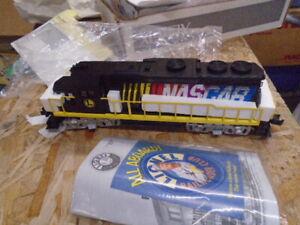 NASCAR collectible Lionel train LOCO 71-1004-250