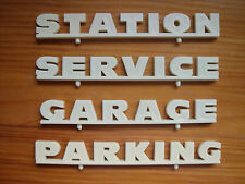 4  ENSEIGNES  POUR  GARAGE  STATION  SERVICE  FRANCE  JOUETS  VROOM   1/43
