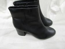 LADIES  FOOTGLOVE ANKLE BOOT SIZE 6 1/2