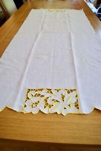 VINTAGE HUCKABACK LINEN TOWEL Yellow Buttonhole Stitch Embroidery Cutwork #H23