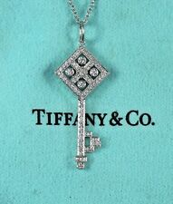 Tiffany Co Platino Diamante Redondo Tablero de Ajedrez Colgante Llave