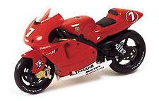 Yamaha YZR M1 #7 C. Checa 2002 - 1:24 - IXO Models