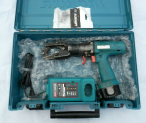 BURNDY  BCT500  PORTABLE HYDRAULIC CRIMPER SET BATTERY / CHARGER