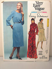 Very Easy Vogue Designer Jerry Silverman #1579 Dress Hood Size 16 UNCUT 1970's