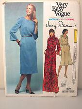Very Easy Vogue Designer Jerry Silverman #1579 Dress Hood Size 16 UNCUT 1970's