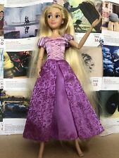 B1 la Princesa Disney Store Rapunzel Muñeca De Enredados Poseable