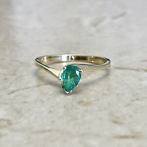 Vintage 14 Karat Yellow Gold Natural Emerald Solitaire Ring - Birthday Gift Ring
