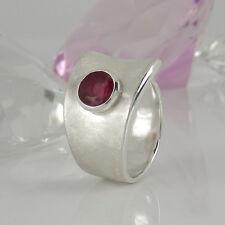Breiter Ring in 925 Silber mit 1 Rubin - transparenzverbessert - Gr. 58 -  NEU