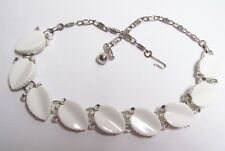 Vintage LISNER White Thermoset Leaves Necklace