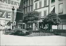 Paris, boulevard Beaumarchais, le square Vintage silver print,le plus petit sq