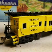 HO Athearn Delaware & Hudson bay window caboose,  New with box, D&H.