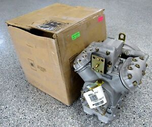 NEW THERMO KING X426 COMPRESSOR 5946C11G02