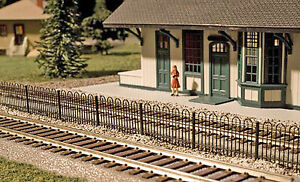 Atlas HO Scale Scenery Kit - Hairpin Fence