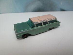 Matchbox/ Lesney 31b Ford Station Wagon Metallic Green - BLACK Base / Wheels