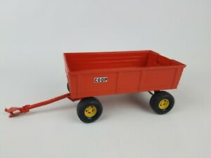 Ertl Coop custom painted wagon 1/16