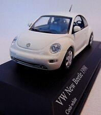 VW New Beetle * 1998  weiss * 1:43 Minichamps  430058005