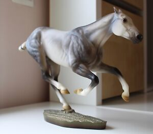 Polo Pony Santiago (Breyer Modellpferd) Limited Edition (3000 Stk) (Traditional)