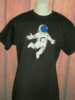 MENS EIGHTY EIGHT ASTRONAUT APPLIQUE BLACK T-SHIRT SIZE M