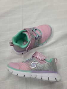 Skechers baby toddler size 6 girl shoes NWOB