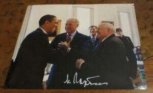 Mikhail Gorbechev signed autographed photo 8th & last Leader of Soviet Union