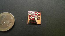 Dodge Logo Pin Gold Emblem quadratisch 16mm Badge