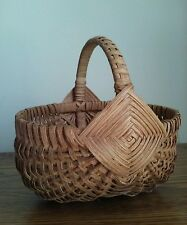 """Amish Egg Basket Hand Made Signed & dated 2007 Small 8"""" tall 8"""" long"""