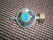 CARAVAN BUTANE SCREW ON GAS REGULATOR 2 METER HOSE AND 2 CLIPS