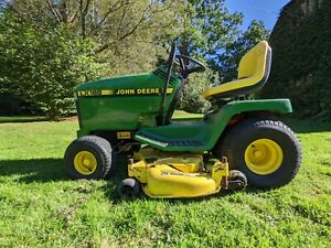 John Deere ride on mower Sit On Tractor Exceptional Condition