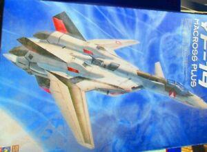 Hasegawa 65651  Macross Plus YF-19 JET 1:48 Model Kit
