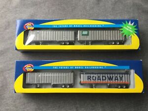 2 2 Packs of Athearn Trailers including Penn Central and Roadway