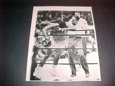 JOE FRAZIER VS MATHIS TKO 1968 ORIG. PRESS PHOTO