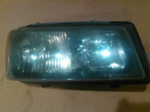 2003-2004 Chevrolet Silverado Passengers Side Headlight Housing with bulbs